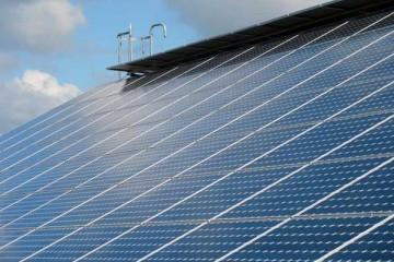 מדוע נדרש טיפול תחזוקת מערכות סולאריות במבנים עסקיים?
